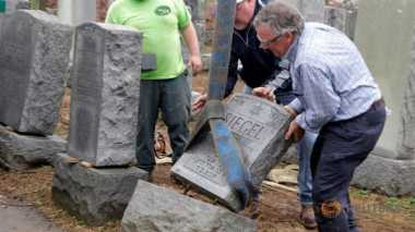 Makam Yahudi Dirusak, Muslim AS Sumbangkan Rp1,2 Miliar