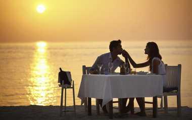 Dinner Romantis, Harus Wajib Ada Unsur Ini agar Berkesan