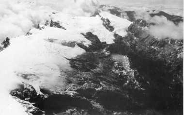 TOP FILES: Salju Khatulistiwa, Gunung Emas dan Riwayat Freeport (Bagian I)