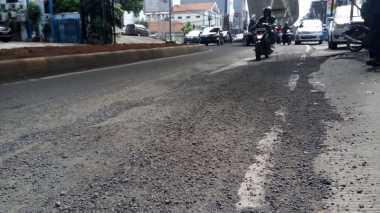 Awas! Banyak Jalanan Berlubang dan Licin Setelah Hujan dan Banjir