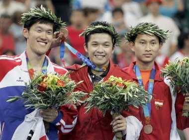 Sukses di Final Olimpiade Athena 2004, Taufik Hidayat Persembahkan Medali Emas untuk Indonesia