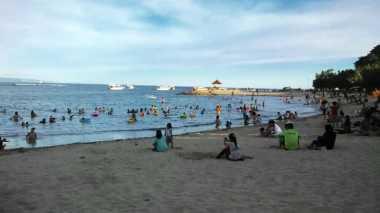 Asyiknya Nikmati Langit Senja di Pantai Sanur