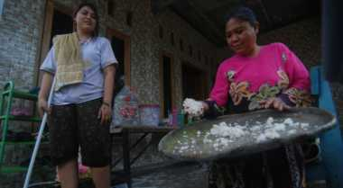 Korban Banjir Mojokerto: Seharian Kami Tidak Makan