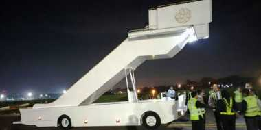 Turun Pesawat, Raja Salman Pakai Eskalator Khusus