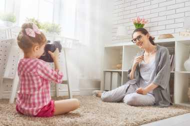 TOP FAMILY 1: 4 Tips Menjadi Mama Keren Kekinian