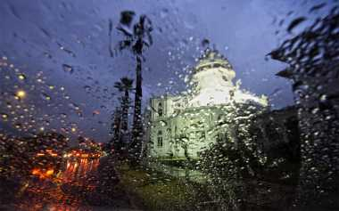 Jangan Keabisan Ide, Ini Hal yang Biasa Dilakukan ketika Menunggu Hujan