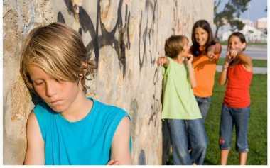 Ajarkan Anak Lakukan Ini jika Di-bully di Lingkungan Rumah