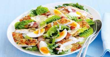 RESEP PILIHAN: Lagi Diet? Yuk Bikin Caesar Salad untuk Sarapan