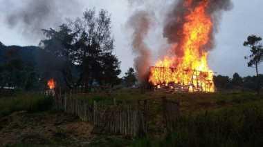 Bentrok Antar Pendukung Cabup Intan Jaya, 1 Warga Tewas