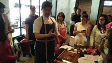 Serunya Membuat Beef Stroganoff with Tagliatelle di V Cooking Class V Radio