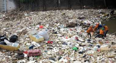 Buseet! Kebun Raya Bogor Tampung 10 Ton Sampah