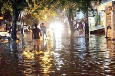 Hujan Deras di Malam Minggu, Ini Kawasan Jakarta yang Diterjang Banjir