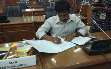 Sebut Pilgub Aceh Cacat Hukum, Saksi Muzakkir-TA Khalid Walk Out dari Pleno