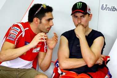 'Motivasi Lorenzo Gabung Ducati? Uang!'
