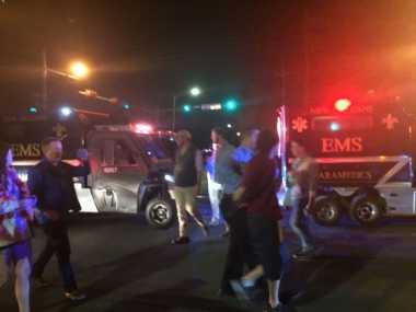 Truk Hantam Parade di New Orleans, 28 Terluka