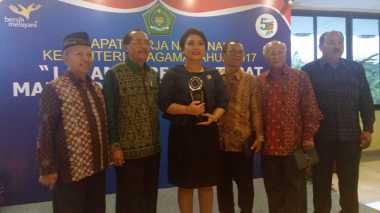 Mampu Jaga Kerukunan, Bupati Tabanan Dapat Harmony Award dari Kementerian Agama