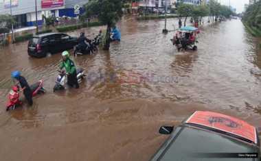 Kali Sunter Meluap, Cipinang Melayu Banjir Lagi Deh