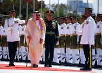 VIDEO: Penyambutan Spektakuler Raja Salman di Malaysia