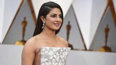 OSCAR 2017: Melenggang di Red Carpet Oscar, Priyanka Chopra Pilih Gaya Futuristik