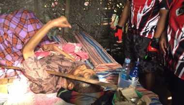 Kakek Miswan Lumpuh, Ditinggal Anak-Istri & Hidup di Kandang Ayam