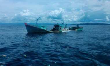 Wah...Nelayan Temukan Bangkai Kapal di Tengah Laut Pangandaran