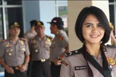 "Bripda Ismi, Polwan Cantik di Lokasi Bom Bandung Bikin Netizen ""Pengen Diborgol"""