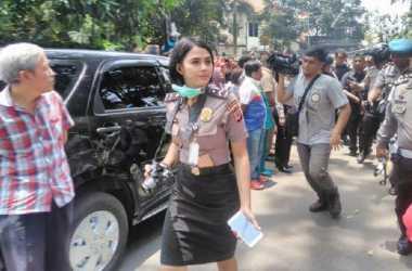 Wow...Polwan Cantik di Tengah Insiden Bom Bandung Bikin Gagal Fokus