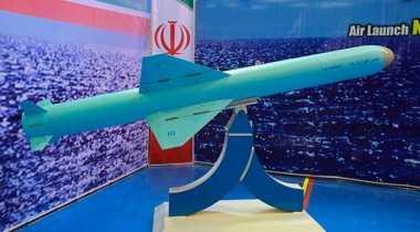 Iran Uji Coba Peluncuran Rudal Jelajah dari Laut