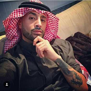 Tak Hanya Tampan, Pangeran Fahad bin Faisal Al Saud, Anggota Keluarga Raja Salman Ternyata Fashionista Loh!