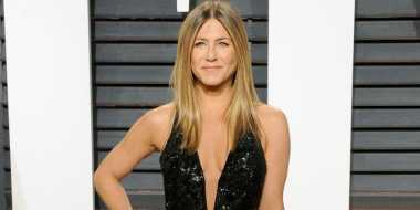 OSCAR 2017: Jennifer Aniston Pakai Perhiasan Senilai Rp133 Miliar di After Party