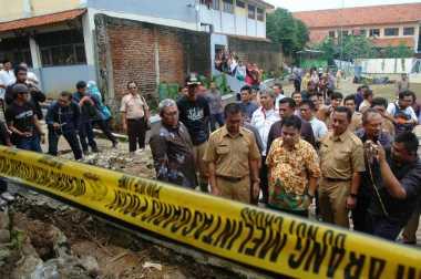Gubernur Jawa Barat Tinjau Lokasi Banjir di Bogor