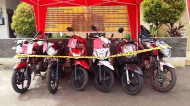 Polisi Sita 46 Sepeda Motor dan Tangkap 12 Pelaku Curanmor