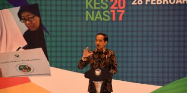 Presiden Jokowi Imbau Tenaga Kesehatan untuk Turun ke Masyarakat