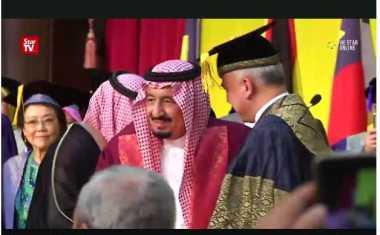 Pemimpin Inovatif, Raja Salman Raih Gelar Doktor Kehormatan di Malaysia