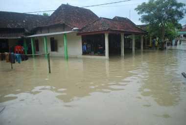 Banjir di Pelalawan Riau, Ratusan Warga Diungsikan