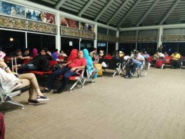 Penumpang Batik Air yang Mendarat Darurat Masih Tertahan di Bandara Soetta