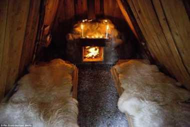 Menginap di Rumah Primitif Suku Kolarbyn di Swedia Nyok!