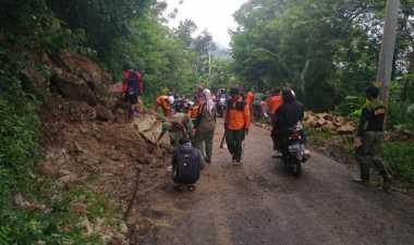 Hujan deras, Tanjakan 'Cino Mati' Bantul Longsor