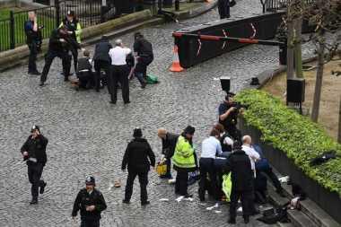 Empat Tewas dan Puluhan Terluka dalam Serangan di Gedung Parlemen Inggris