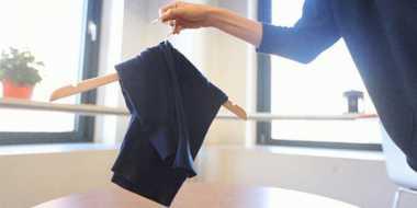 Trik Lipat Origami, Cara Tepat Menyimpan Sweatshirts di Lemari agar Bebas Kusut