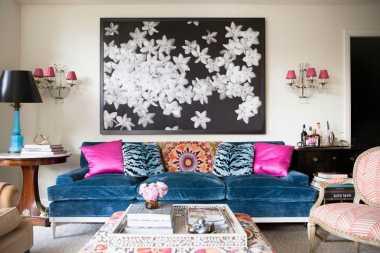 Jangan Remehkan Bantal Kecil di Sofa! Efeknya Bisa Bikin Ruangan Tampak Berkelas