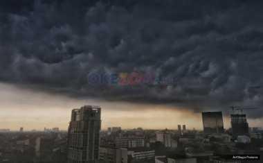 Hujan Lebat dan Petir Landa Lampung hingga Esok