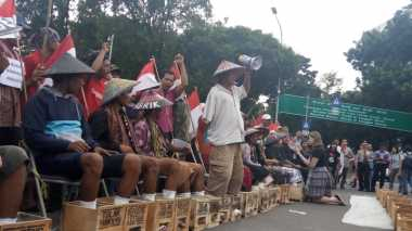 Solidaritas Petani Kendeng, Puluhan Kader FMN di Medan Ikut Semen Kaki