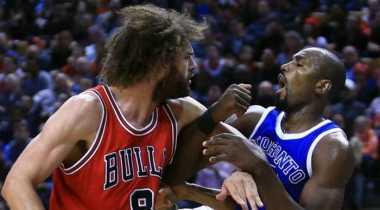 Diwarnai Perkelahian, Raptors Kalahkan Bulls dalam Duel Ketat
