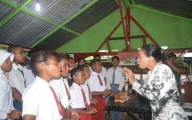 Duh, Guru Sekolah Pedalaman Dilarang Berlibur ke Timika