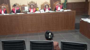 Menangis di Persidangan, Politisi Hanura Cabut BAPnya di KPK