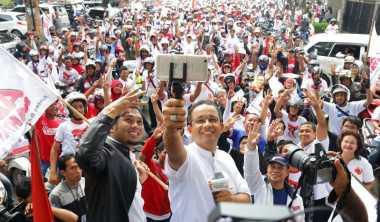 Anies-Sandi Ajak Warga Jakarta Tak Terpengaruh Isu Kampanye Hitam