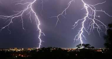 Berteduh saat Hujan Deras, Junaidin Tewas Tersambar Petir