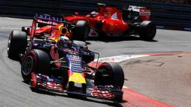 Hamilton Penasaran dengan Penampilan Red Bull di Australia