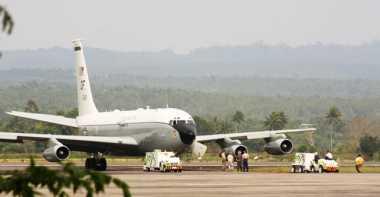 Tertahan di Aceh, 8 Kru Militer Amerika Bermalam di Pesawat